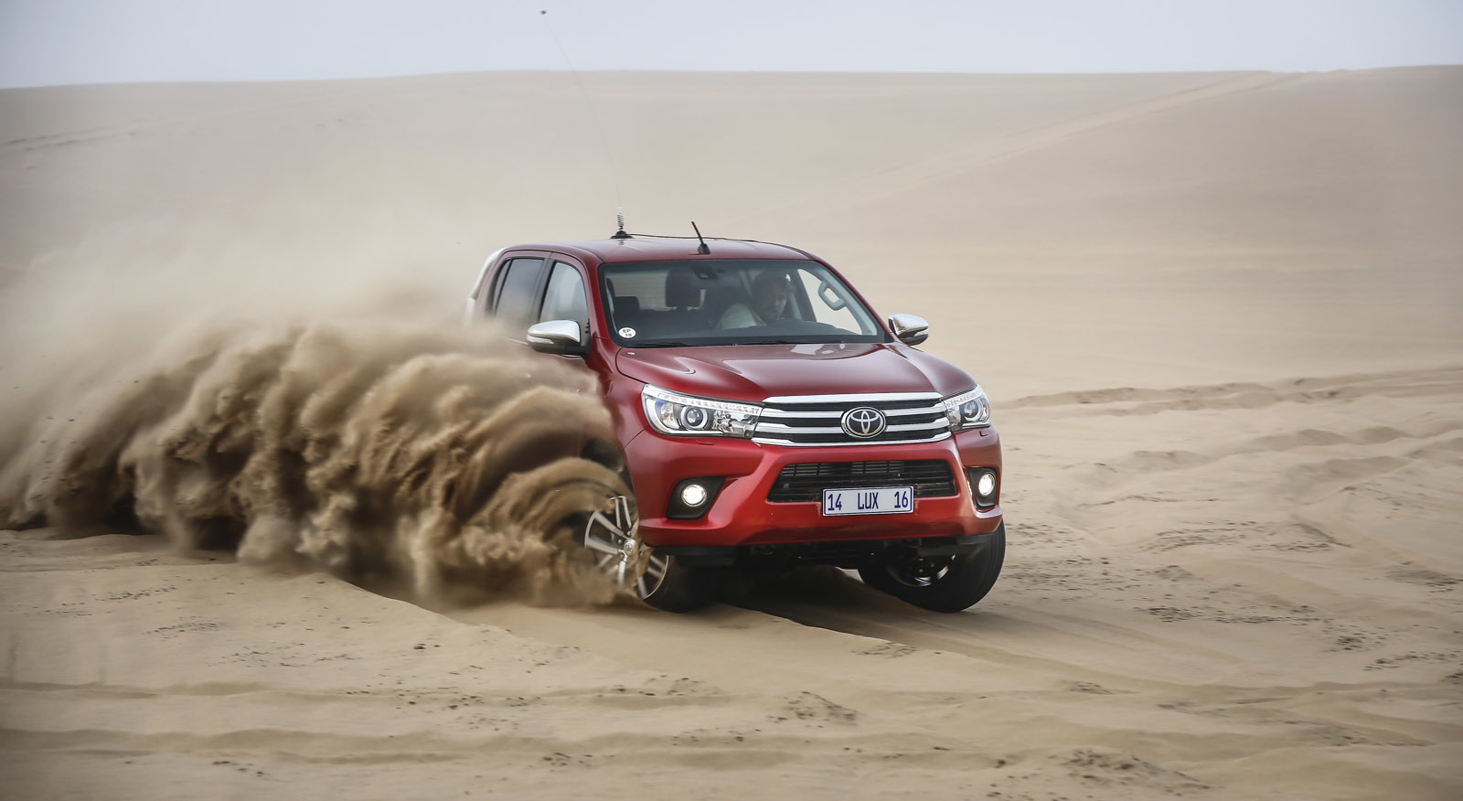 Foto de Toyota Hilux 2016 Namibia (12/74)