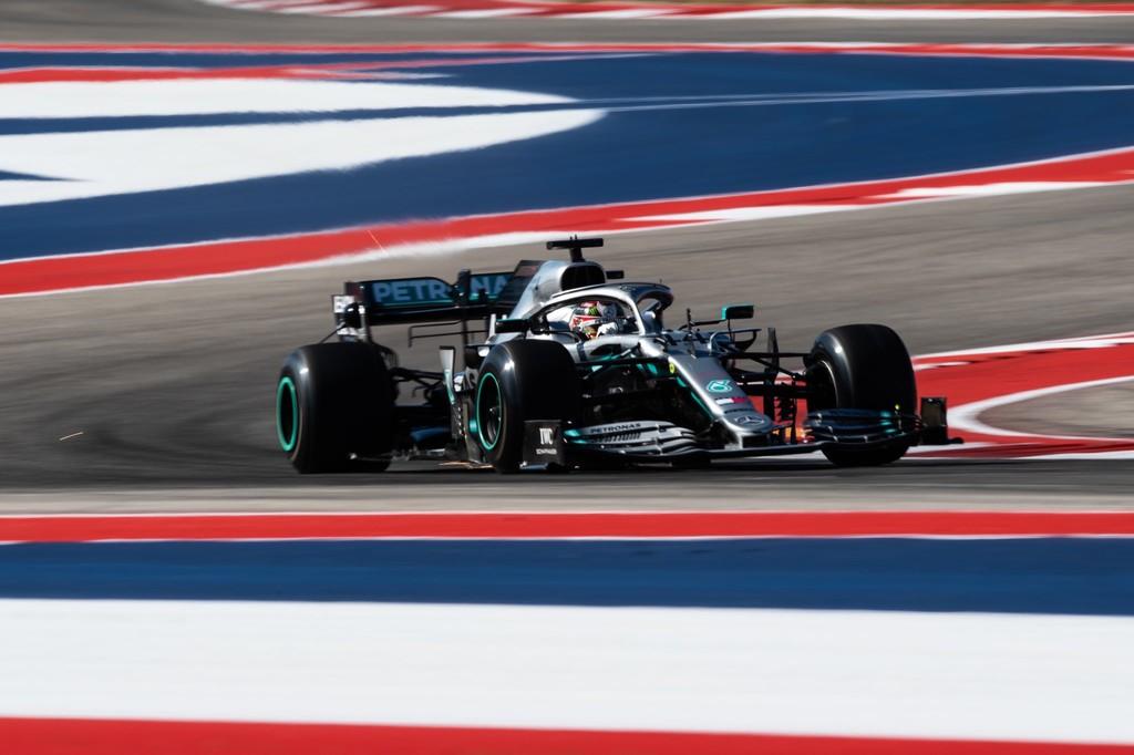 Lewis Hamilton pone la directa a por el título dominando los entrenamientos libres en Austin