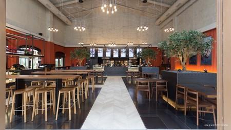 El fuego y sus colores inspiran el interiorismo del restaurante Fire&Bread en Barcelona
