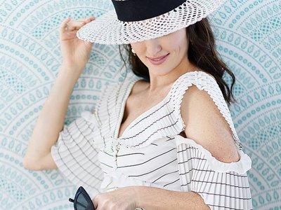 Esta nueva silueta de vestidos de invitada se ha hecho viral y queremos que la copie Zara