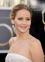 El look de Jennifer Lawrence en la alfombra roja de los Oscars 2013: toda una princesa de Hollywood