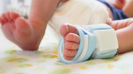 [Vídeo] Owlet Baby Monitor: el calcetín que vigila al bebé