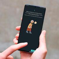 """Tu móvil te alerta si lo usas caminando: """"Mira al frente"""" ahora disponible para todos"""