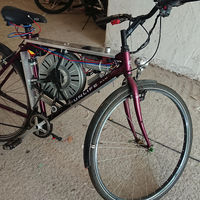 ¡WTF! Cómo convertir una bicicleta en ebike gracias a un motor de lavadora y alcanzar los 110 km/h, aunque sea ilegal