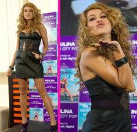 Paulina Rubio de promoción en España acapara revistas y televisión