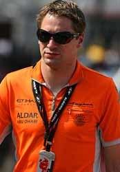 Verstappen se ceba con Christijan Albers