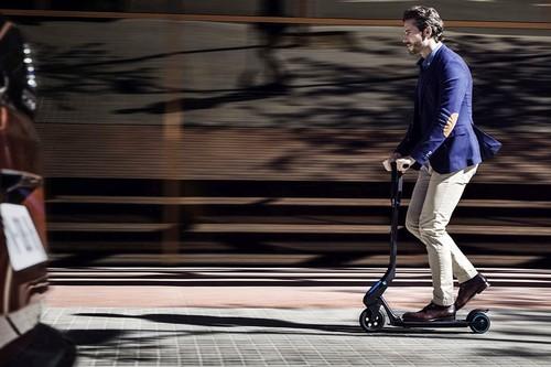 Patinetes eléctricos: toda la información sobre una solución de movilidad que nadie parece saber regular