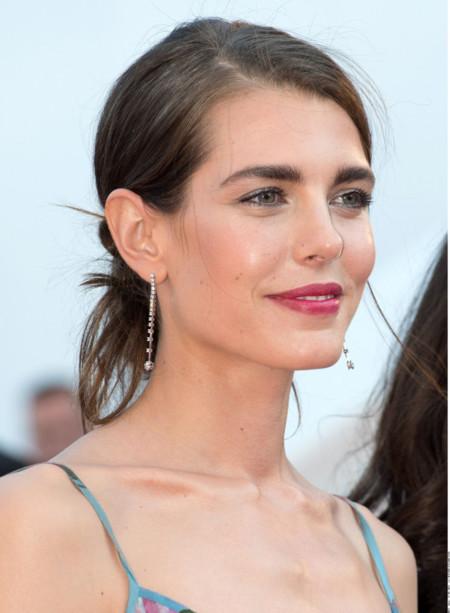 Seguimos en Cannes: y el premio al recogido más juvenil es para Carlota Casiraghi