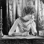 Especial Halloween: Cinco escritoras muy terroríficas que no puedes dejar de leer