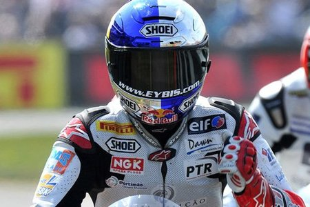 Superbikes Italia 2010: Laverty vuelve a ganar y aprieta la clasificación en Supersport
