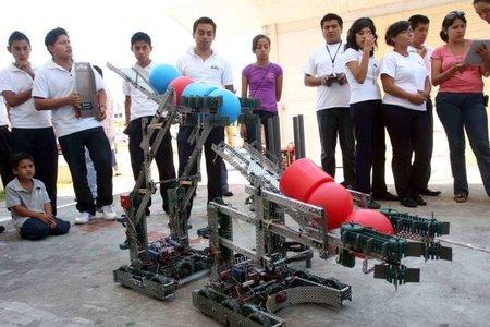 Veracruzanos ganan concurso internacional de Robótica