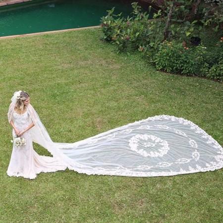 Si sueñas con una boda de cuento el vestido de novia de Helena Bordon te enamorará (palabrita)