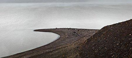 arena_negra_y_niebla_black_sand_and_mist_110x250cm.jpg