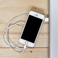 Sí, finalmente Apple confirmó que el bajo rendimiento en los viejos iPhone es intencional y se debe a la batería