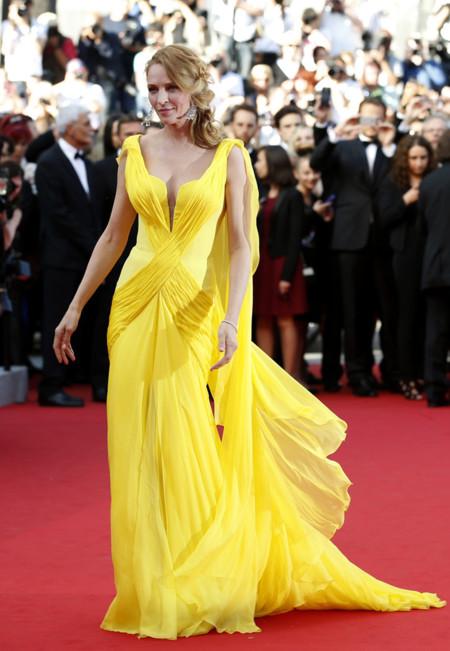 Una Alta Costura amarilla