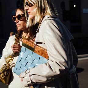 Este bolso de piel de Calvin Klein está rebajadísimo (y a punto de agotarse) en Asos