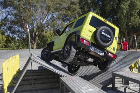 El Suzuki Jimny aspira a convertirse en híbrido para seguir aumentando su leyenda