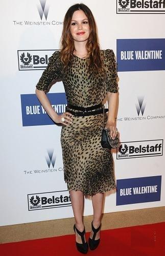 rachel bilson vestido leopardo