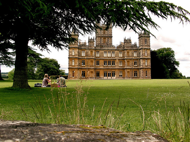 Highclere castle downtown abbey
