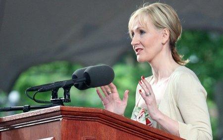 J.K. Rowling también es solidaria