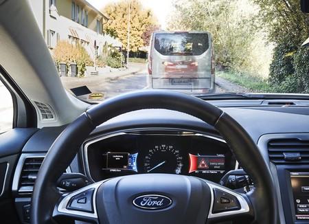 Tu sueño de encontrar todos los semáforos en verde podría hacerse realidad, gracias a Ford