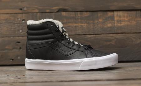 Forro de sherpa para las icónicas zapatillas Sk8-Hi de Vans