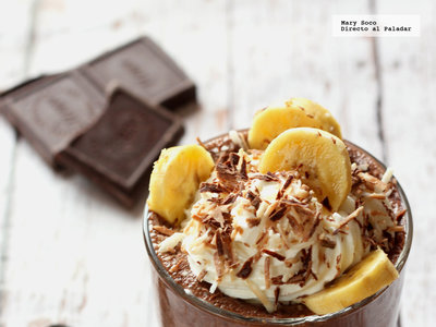 Pudding de chía y chocolate. Receta de postre saludable