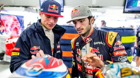 Verstappen Sainz Red Bull F1