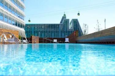 Hotel Hiberus, vanguardia y diseño frente al Ebro