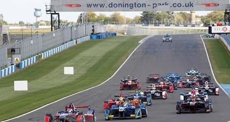 Gran éxito en la primera prueba simulada de una carrera de la Fórmula E (vídeo)
