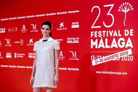 Clara Lago nos muestra su lado más coqueto en el Festival de Málaga 2020 con este fantástico y brillante look de noche