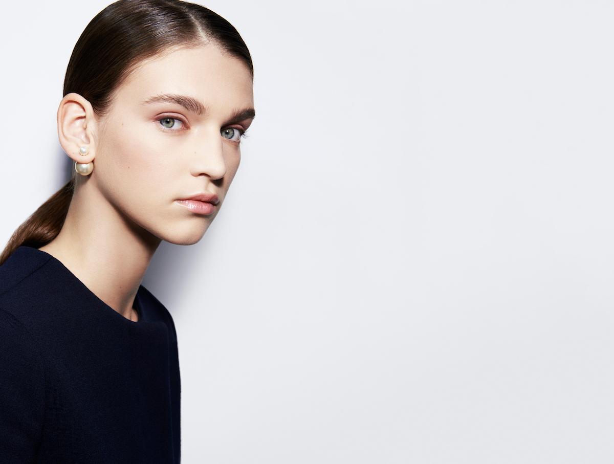 Dior lanza una nueva colección de sus pendientes más famosos, y según ellos, inimitables