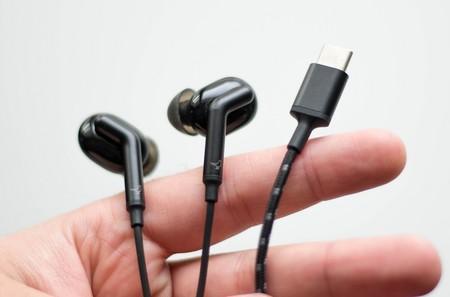 El mundo es un lugar un poquito peor sin nuestro conector de auriculares: ni Bluetooth ni USB-C salvan la situación