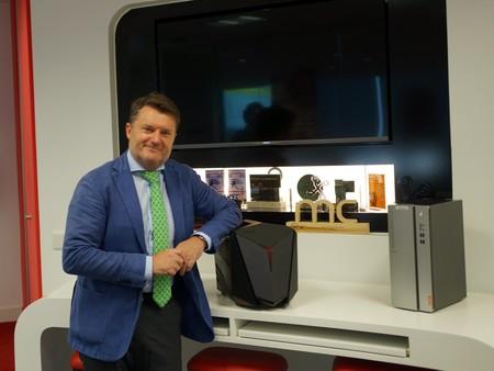 """Alberto Ruano, director de Lenovo: """"El próximo gran negocio está en realidad aumentada"""""""