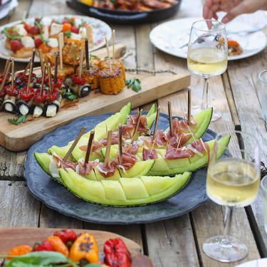 Cinco recetas de aperitivos refrescantes: ideas fáciles con fruta de verano para el picoteo del finde