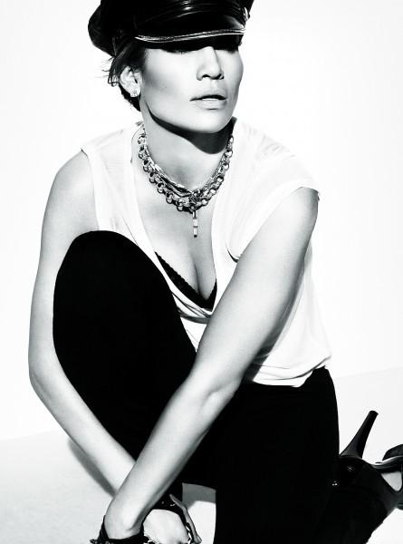Foto de Jennifer López en la portada de Elle: un estilo aburrido (1/5)