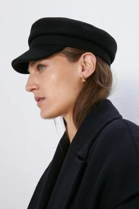 Rebajas Zara 2020 Complementos Gorros 03