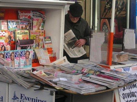Combustible a base de periódicos
