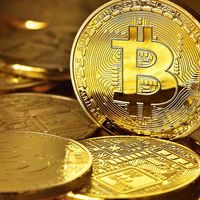 El bitcoin hace historia superando el valor de una onza de oro