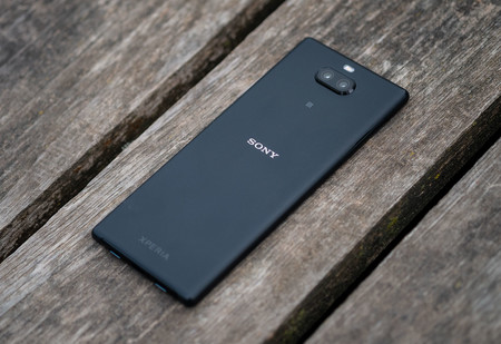 Sony Xperia 10 Plus Trasera 02