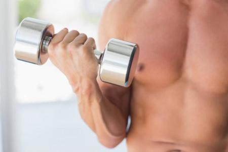 Beneficios de entrenar con pesos libres
