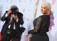 Alfombra roja a la vista: Despliegue de celebrities en los Alma Awards