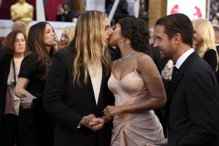 Oscars 2015: Entre parejas anda el juego