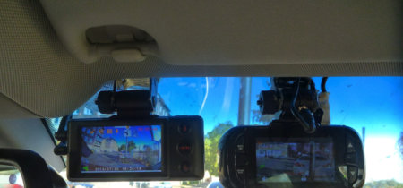 ¿Quieres instalar una cámara en tu coche? Esto es lo que dice la ley sobre ellas