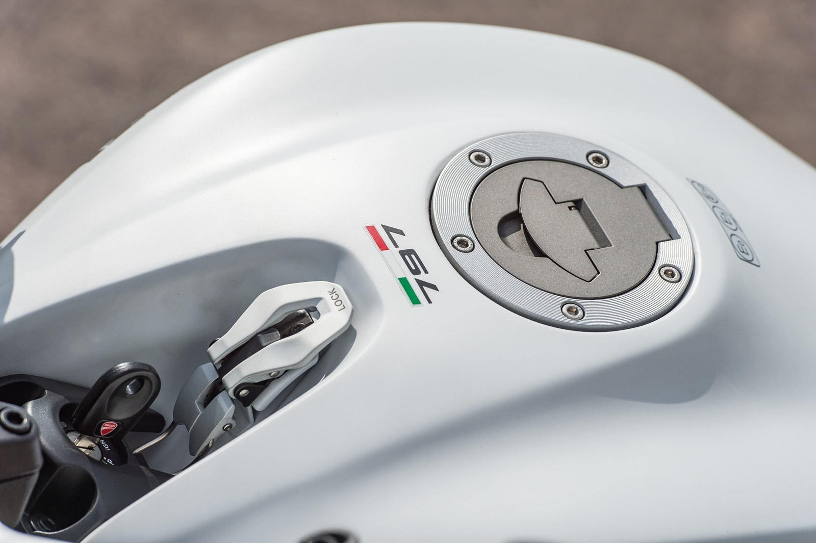 Foto de Ducati Monster 797 (24/68)