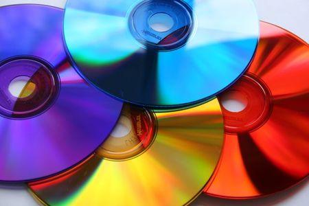 [Vídeo] Lo que pasa cuando un CD gira a demasiadas revoluciones por minuto