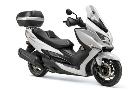 Más capacidad de carga y un nuevo color para el Suzuki Burgman 400 City por 7.199 euros