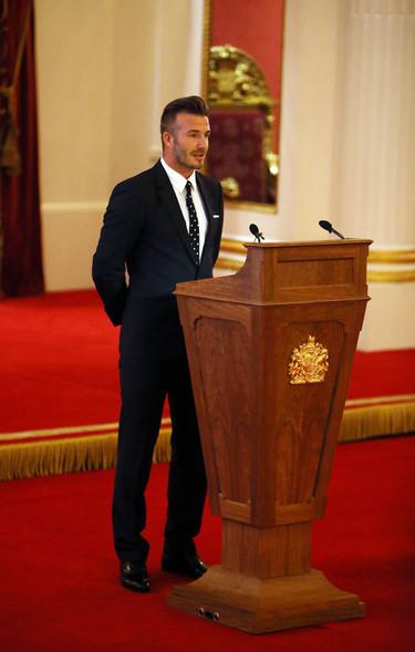 David Beckham sí que sabe cómo vestirse para ir a ver a la reina Isabel II