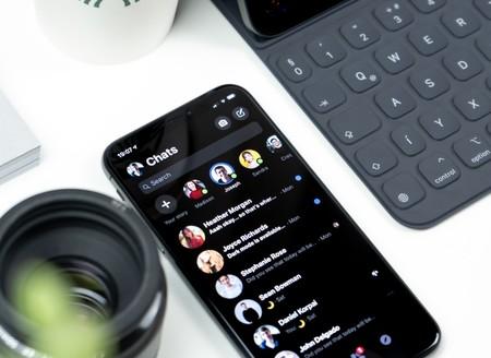 La beta de WhatsApp deja entrever varios temas en modo oscuro para Android y iPhone