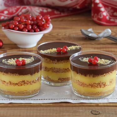 Tarta de la abuela o de galletas en vasito: convierte la típica receta de los cumples en un postre de fiesta muy fácil de hacer)